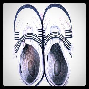 PRIVO by Clarks white & black walking shoes sz 7